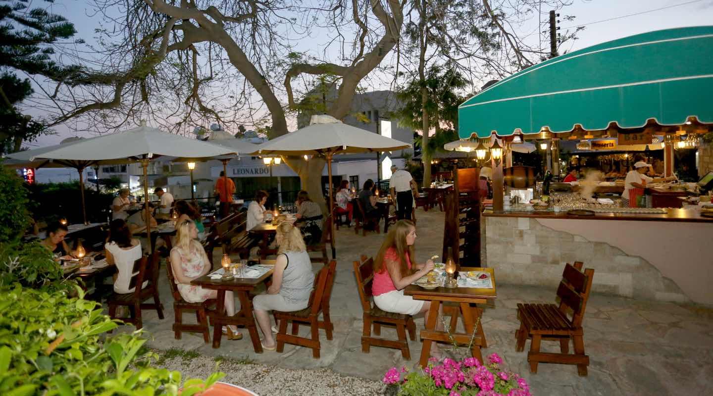 dionysos-central-hotel-paphos-trattoria-restaurant